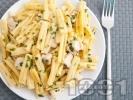 Рецепта Паста макарони с пилешко филе (месо от гърди) и сметана